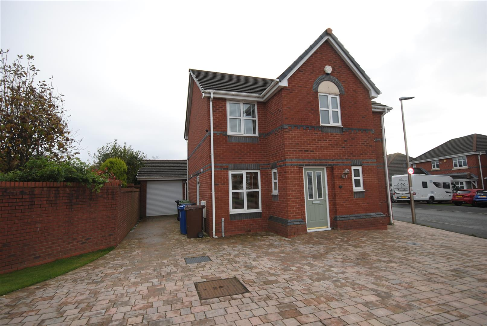 4 Bedrooms Detached House for sale in Naburn Drive, Orrell, Wigan